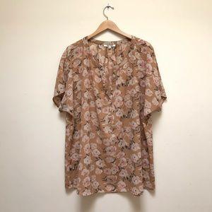 Daniel Rainn | Floral V Neck Short Sleeve Top
